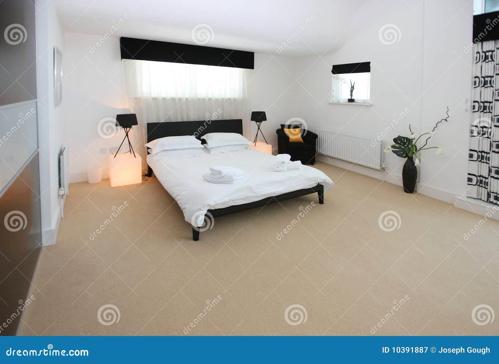 Chambre De Luxe Moderne : Intérieur de luxe moderne chambre à coucher image stock