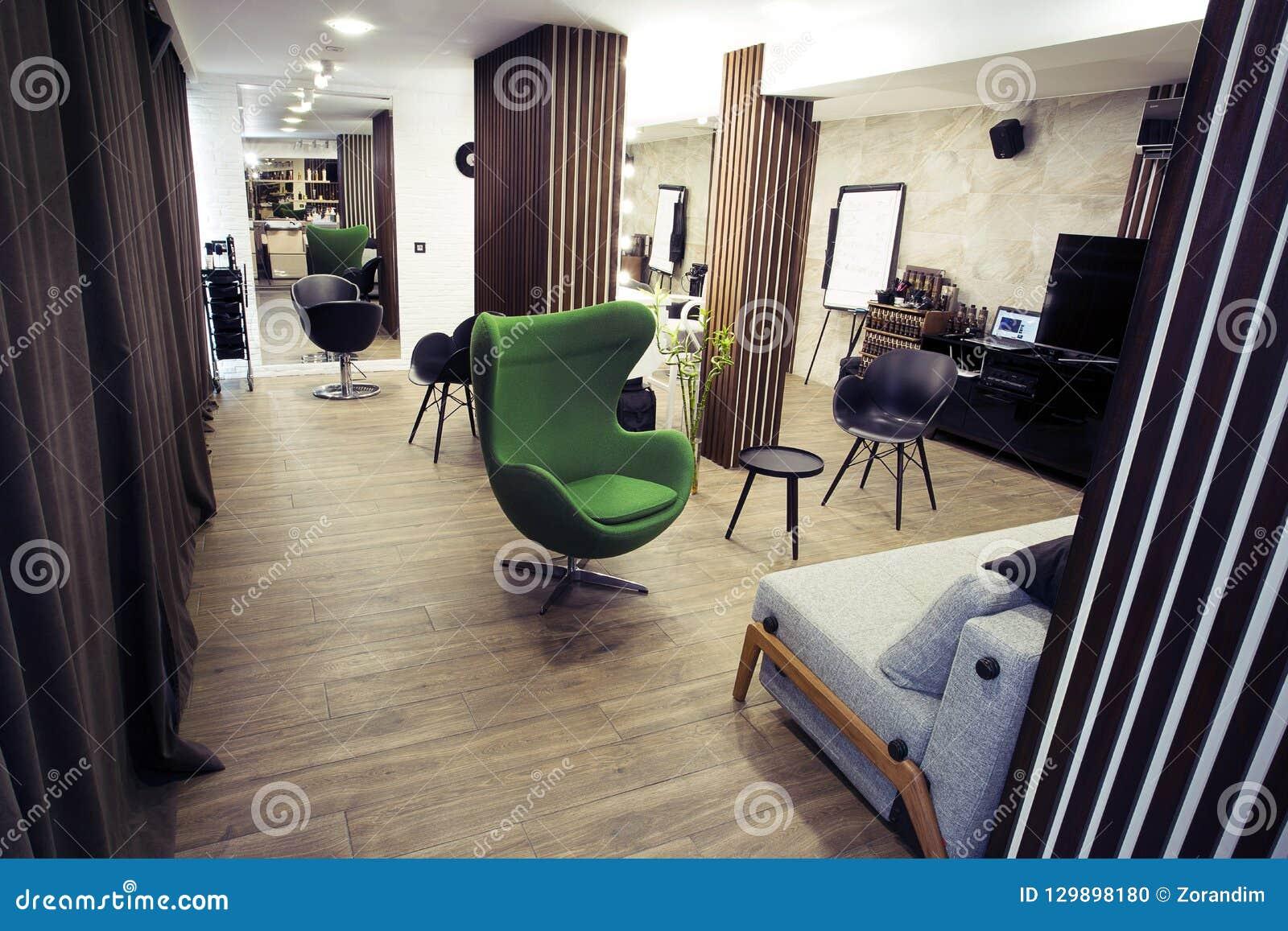 Intérieur De Salon De Coiffure Moderne Photo stock - Image du propre ...