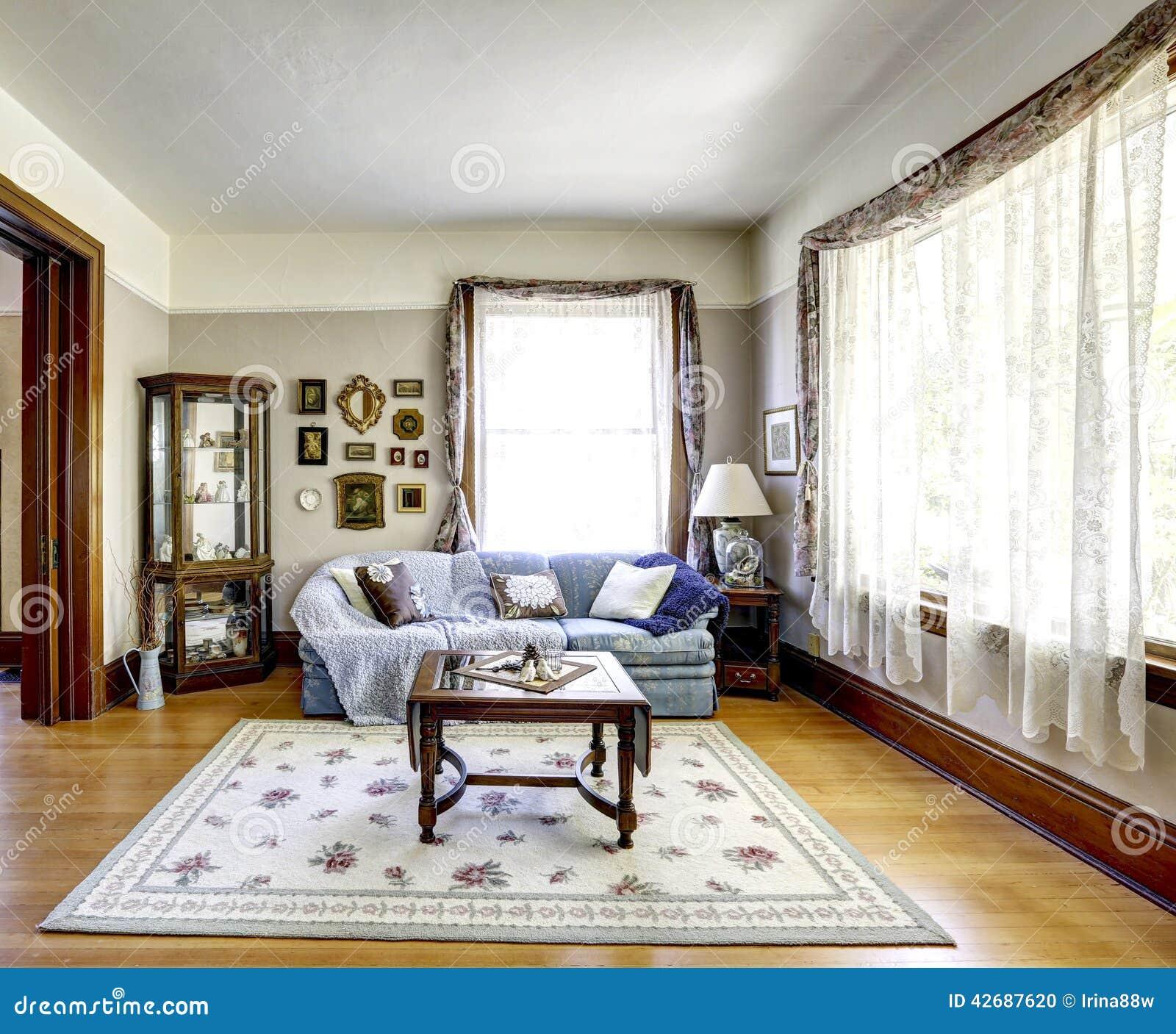 Int rieur de salon dans la vieille maison am ricaine photo for Maison americaine interieur