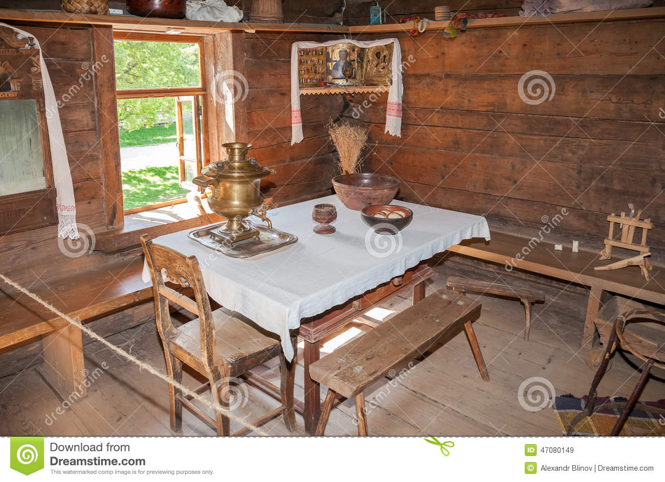 Int rieur de vieille maison en bois rurale image stock for Interieur 19eme siecle