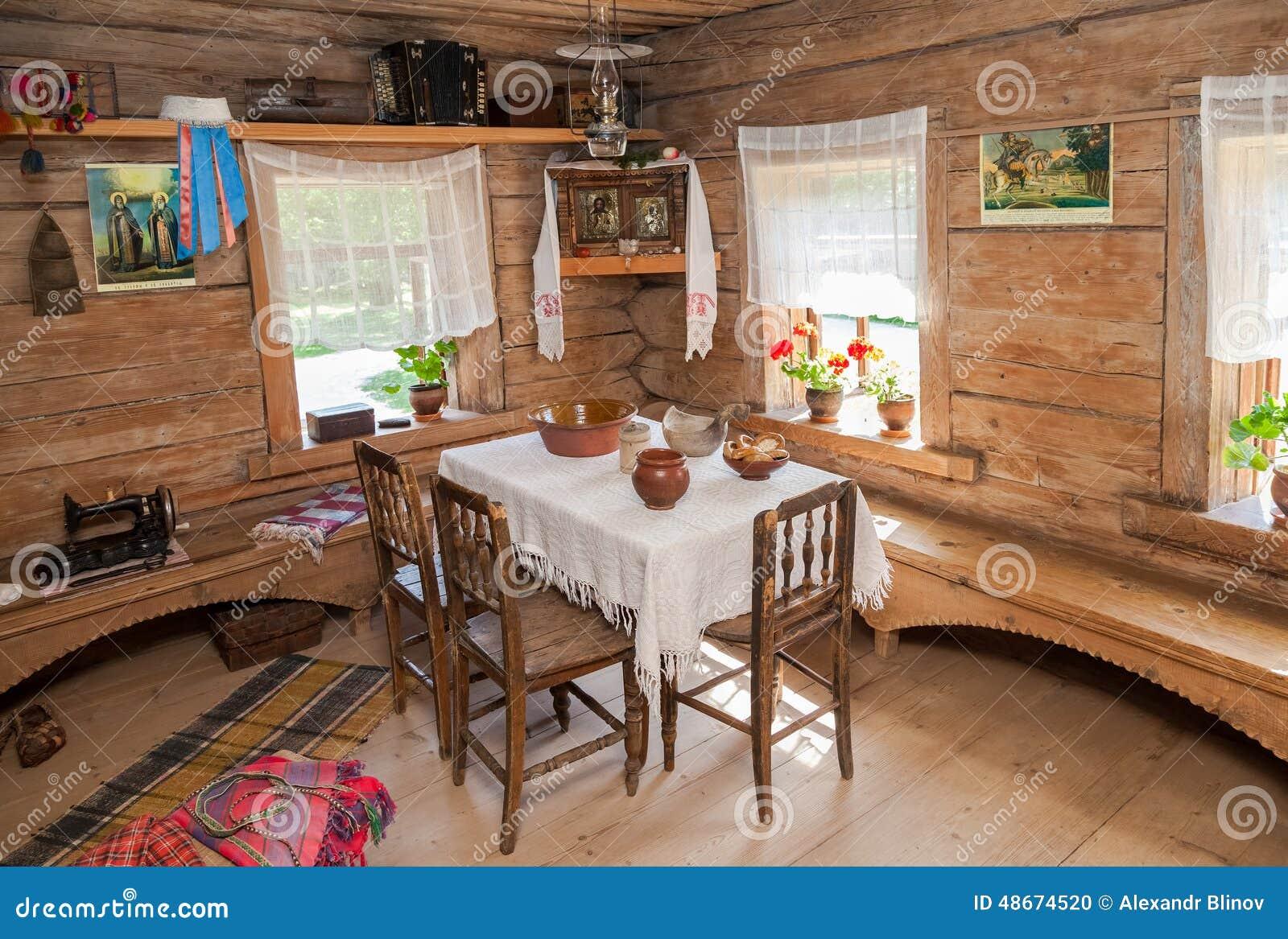 int rieur de vieille maison en bois rurale dans le mus e de l 39 archi en bois image ditorial. Black Bedroom Furniture Sets. Home Design Ideas
