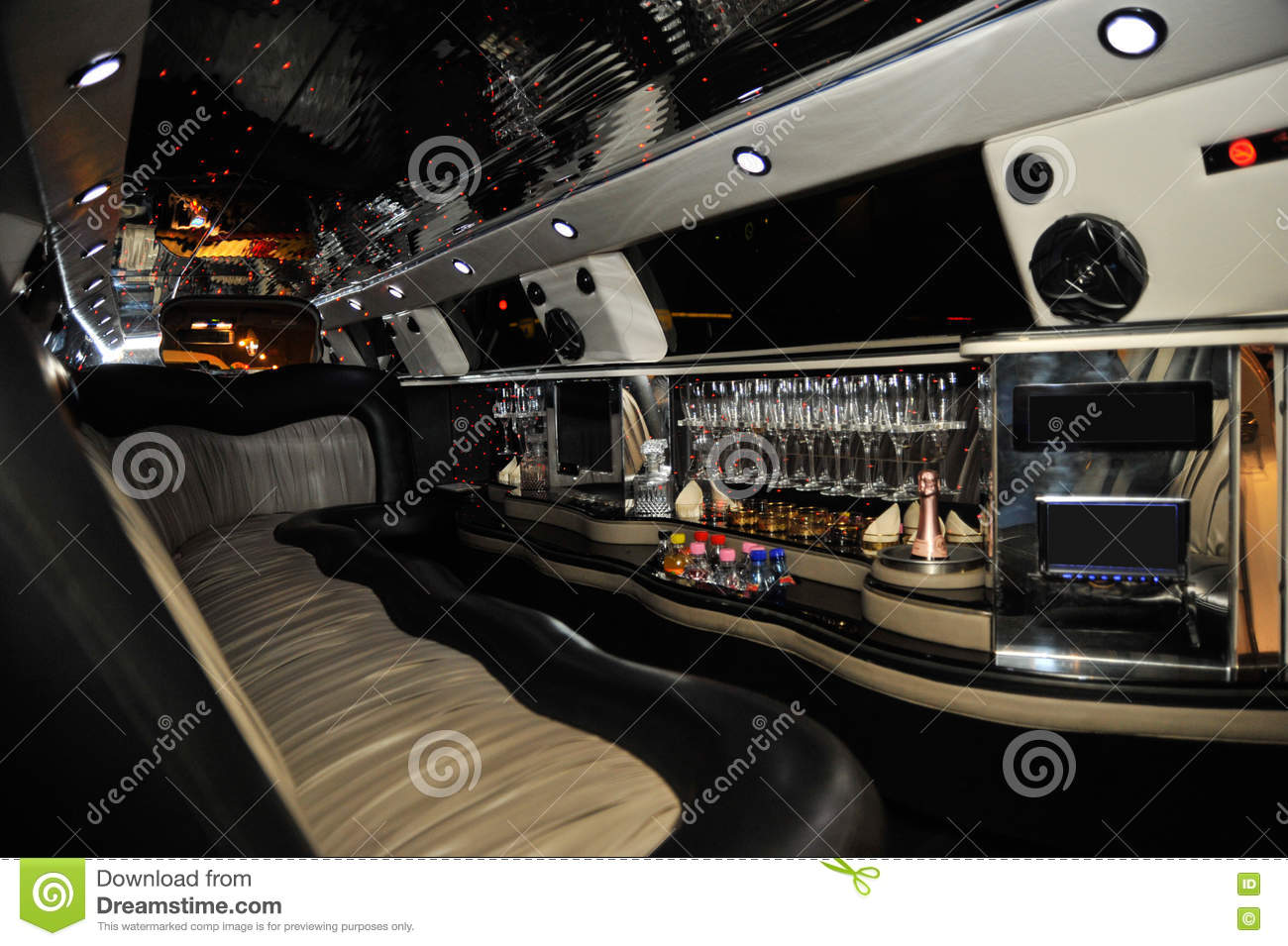 Int rieur de voiture de limousine photo stock image for Interieur de voiture de luxe