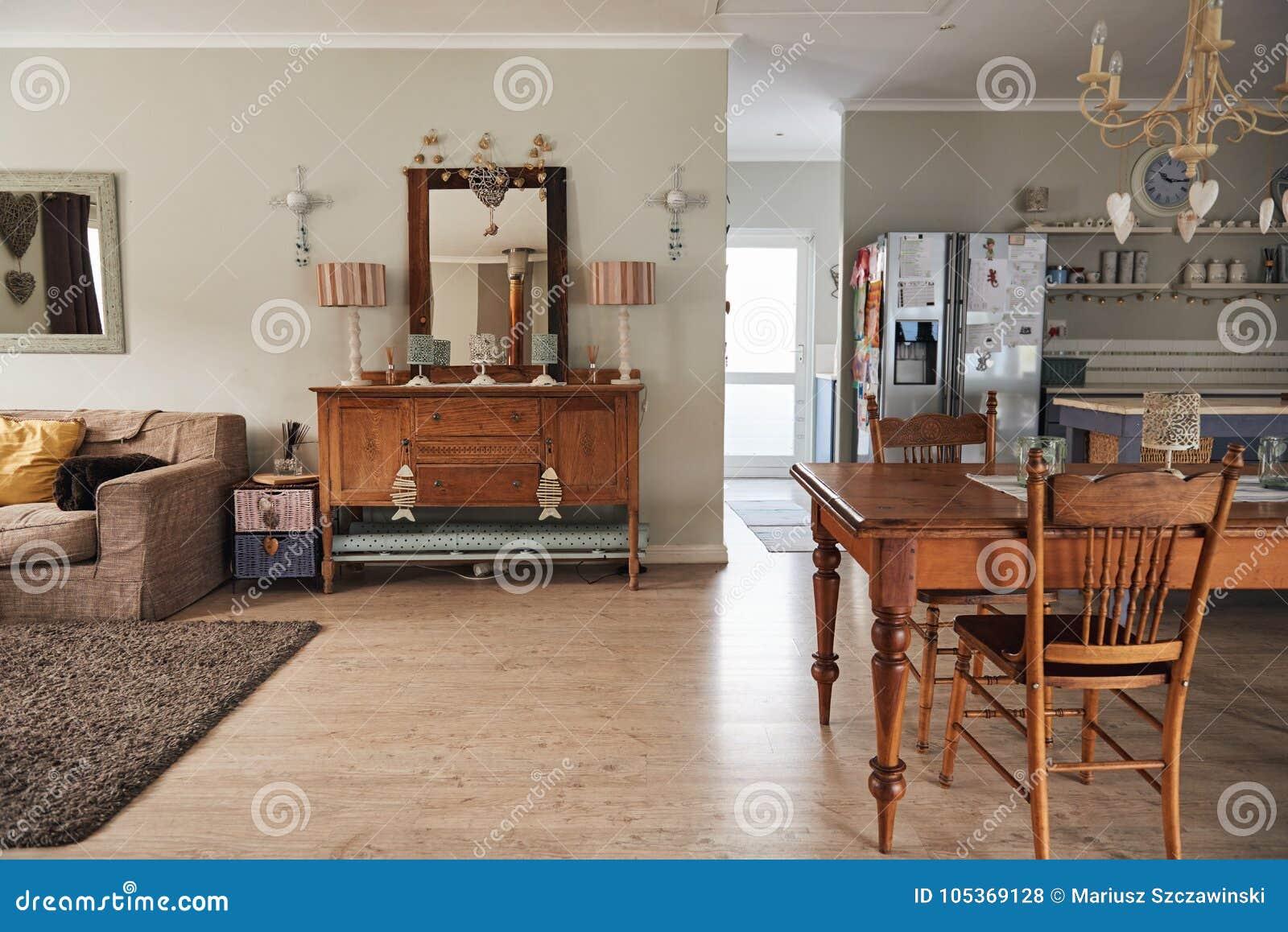 Intérieur Du Salon D\'une Maison Contemporaine Photo stock - Image du ...