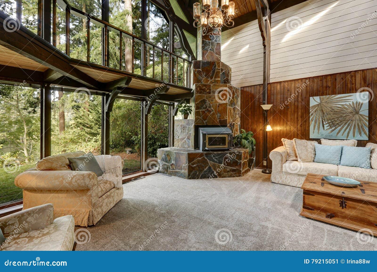 Intérieur En Bois Moderne De Maison De Cottage Avec La Fin De Salon ...