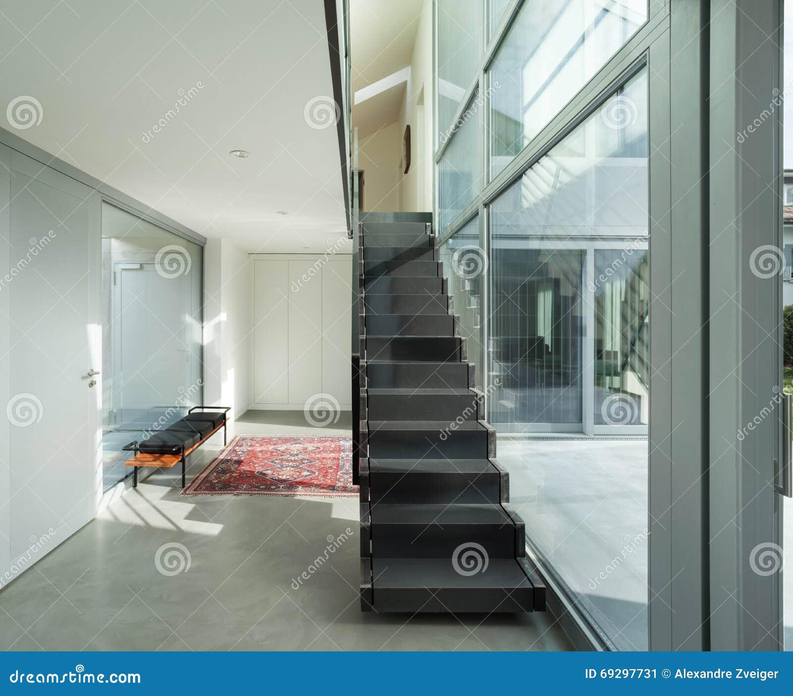 Escalier Interieur Maison Moderne intérieur, escalier de fer d'une maison moderne image stock