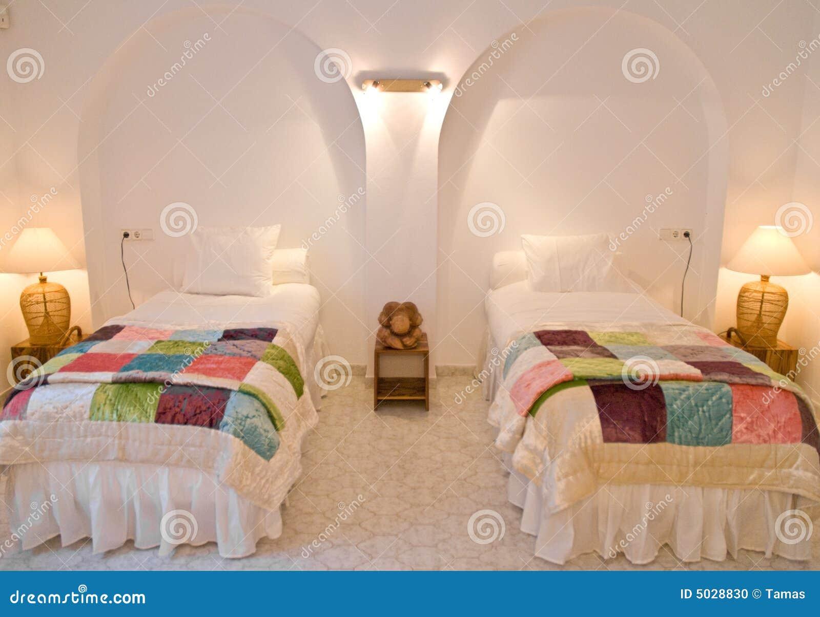 Int rieur jumel de chambre coucher photo stock image for Interieur de chambre a coucher