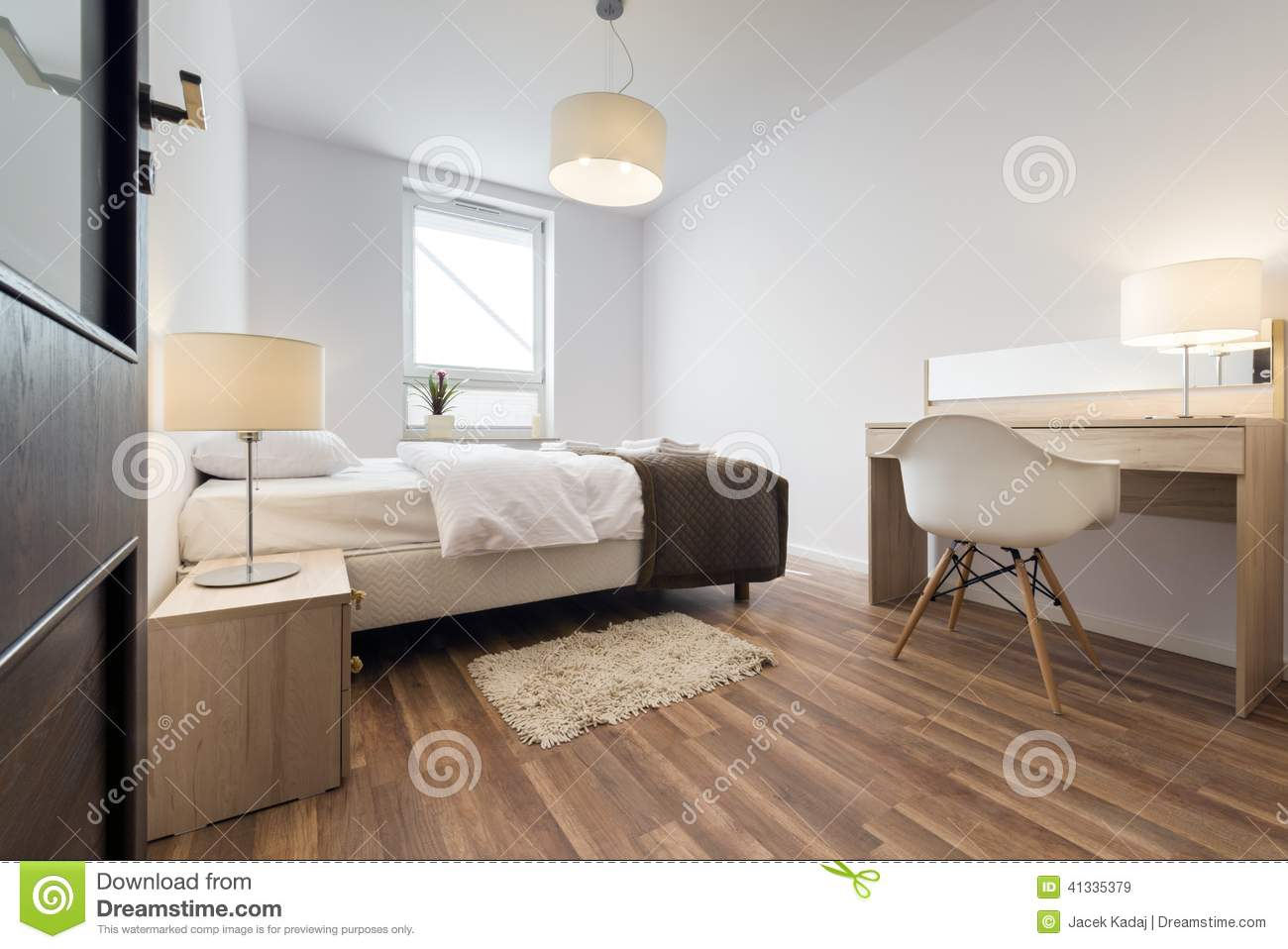 Int rieur moderne de chambre coucher photo stock image for Conception de chambre a coucher