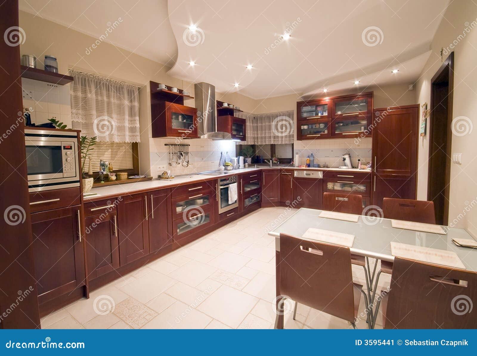 Int rieur moderne de cuisine image stock image 3595441 for Interieur cuisine