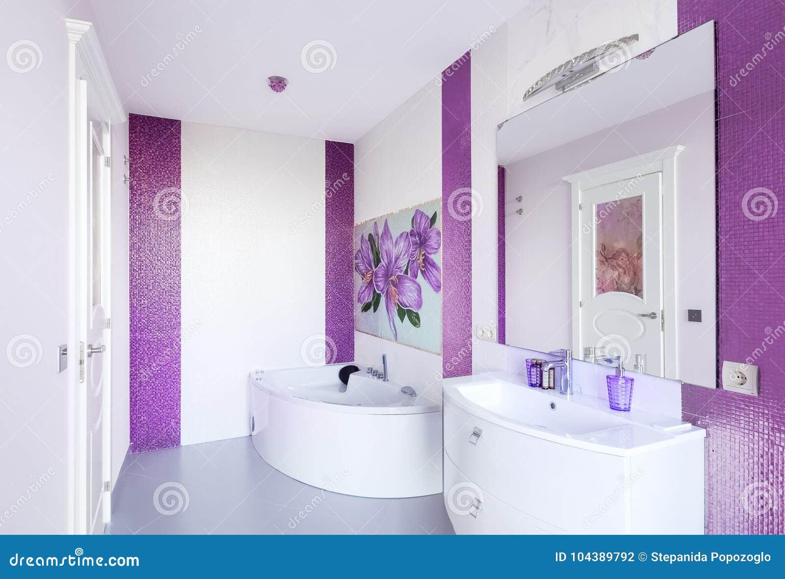 Interieur Moderne De Salle De Bains Avec Un Panneau De