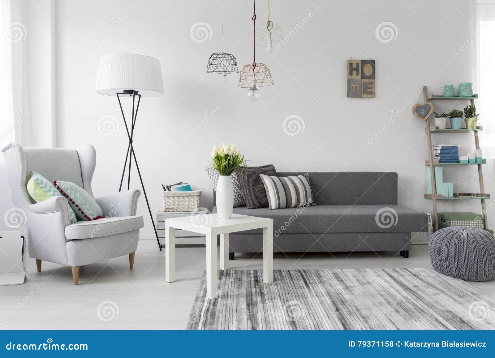 Interieur Moderne De Salon Avec Un Fauteuil Gris Photo Stock Image