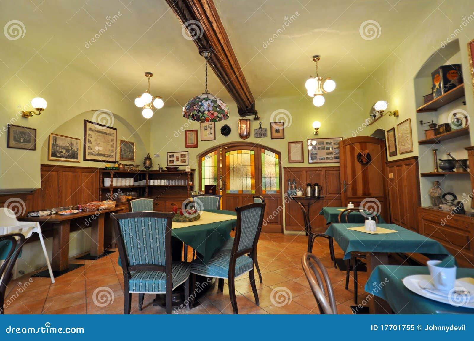 Int rieur rustique de restaurant image ditorial image for Interieur rustique