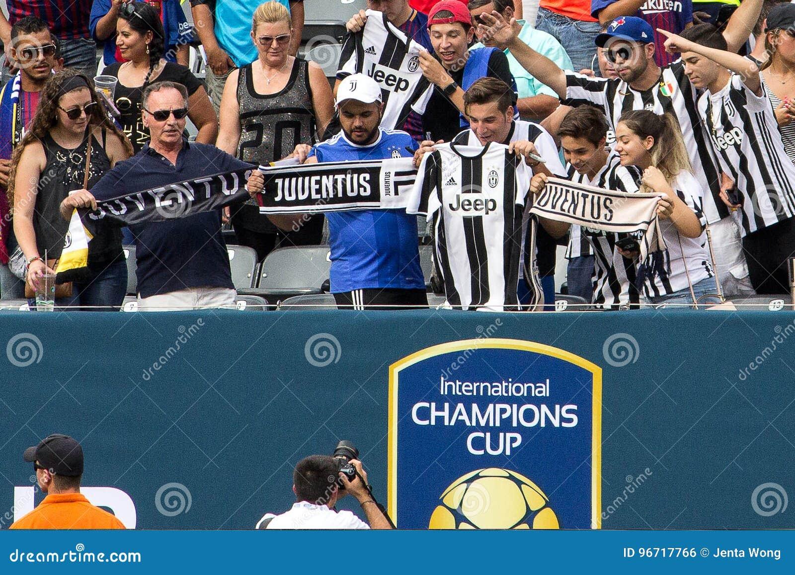 0b0001f3b4e 2017 Int`l Champions Cup- FC Barcelona Vs Juventus Editorial Photo ...