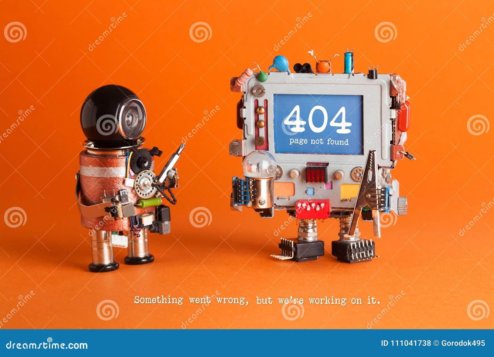 Inte-funnen sida för 404 fel Militärrobot med skruvmejseln, robotic datorvarningsmeddelande på den blåa skärmen Apelsin