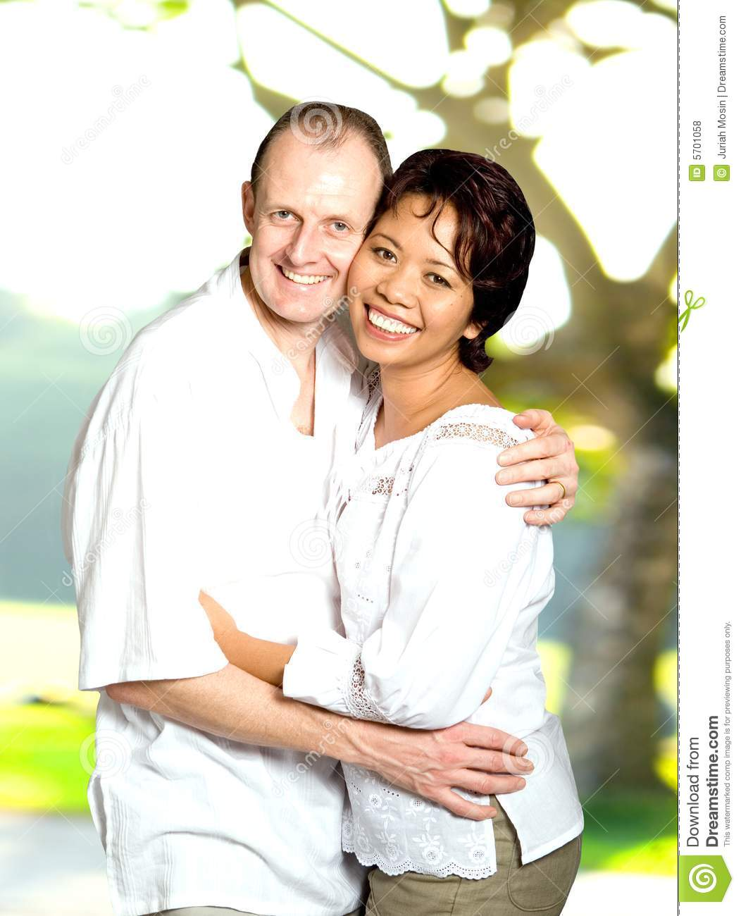 Can Asian caucasian couple