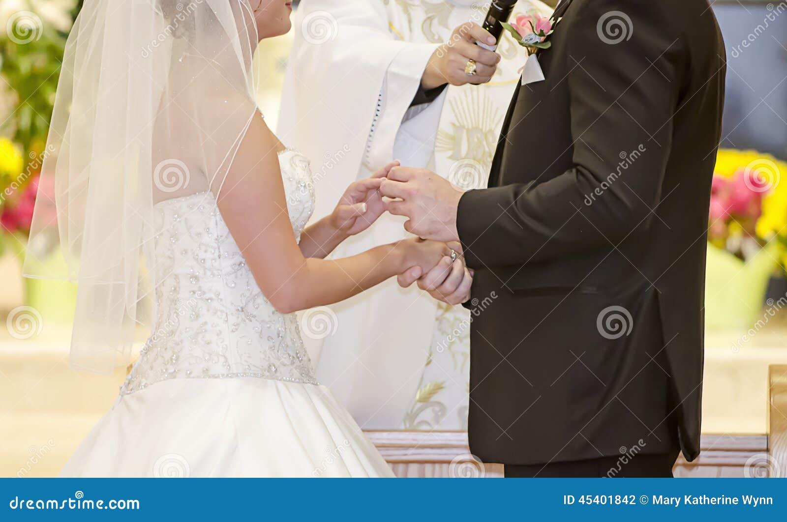 Intercambio del anillo de bodas