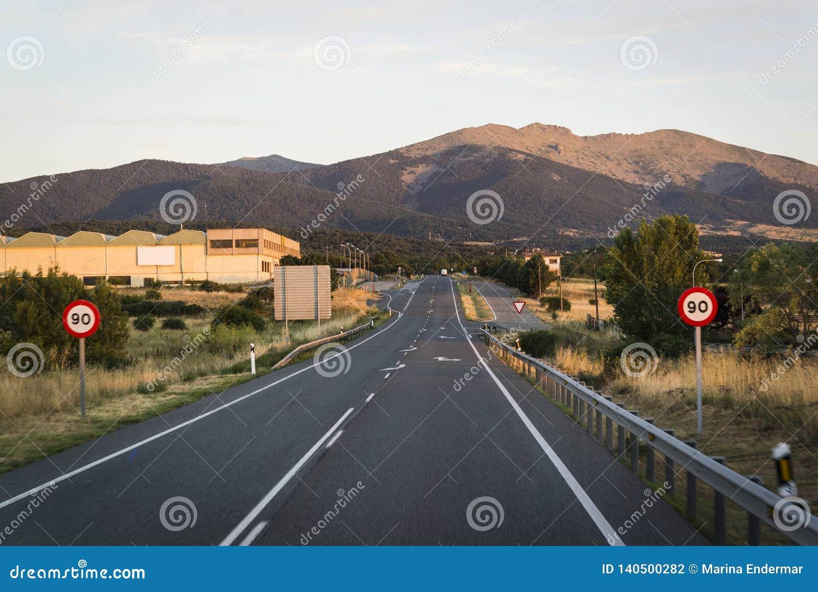 Intercity δρόμος στο σούρουπο, Segovia, Καστίλλη Υ Leon, Ισπανία