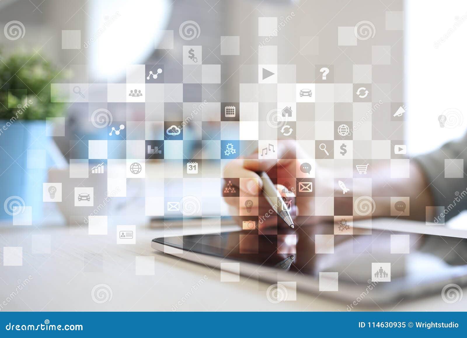 Interface d écran virtuel avec des icônes d applications apps Concept de technologie d Internet de planification de stratégie