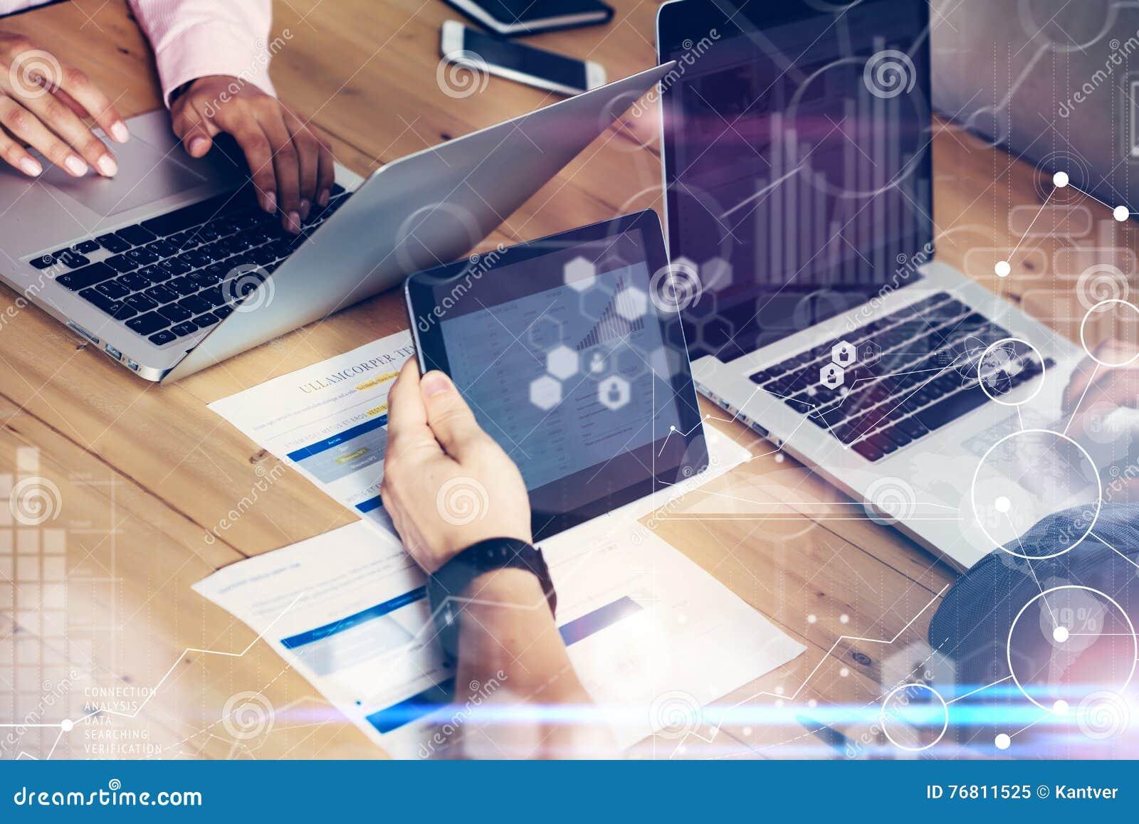 Interfaz virtual del diagrama del icono de la conexión global que comercializa Reserch Negocio Team Brainstorming Meeting Compañe