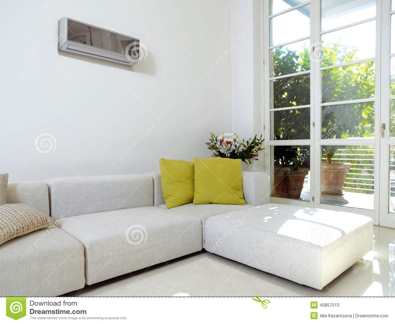 Superieur Interior Of An Apartment With Air Conditioner