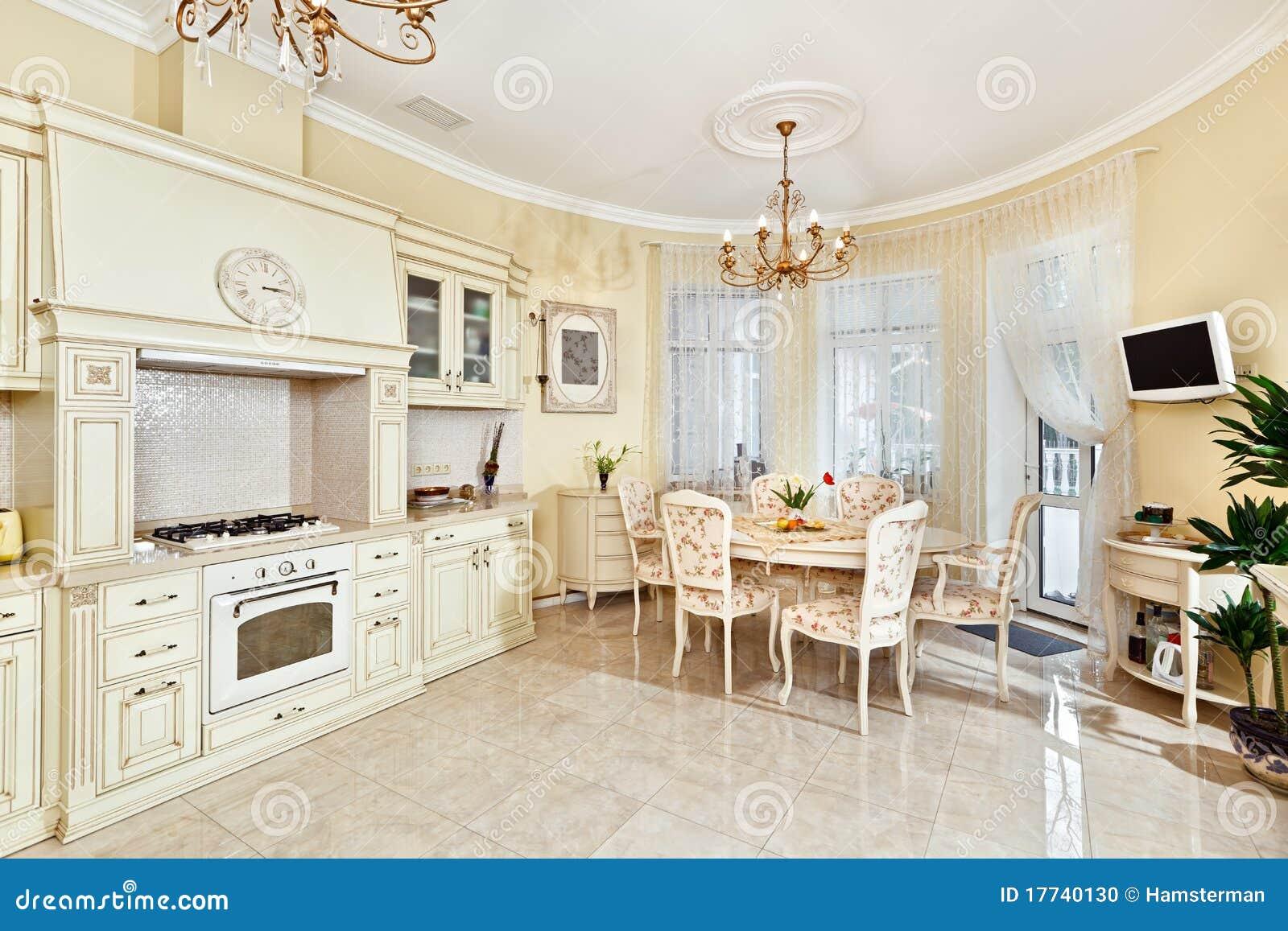 Interior cl sico de la cocina y del comedor del estilo for Kitchen design 70115