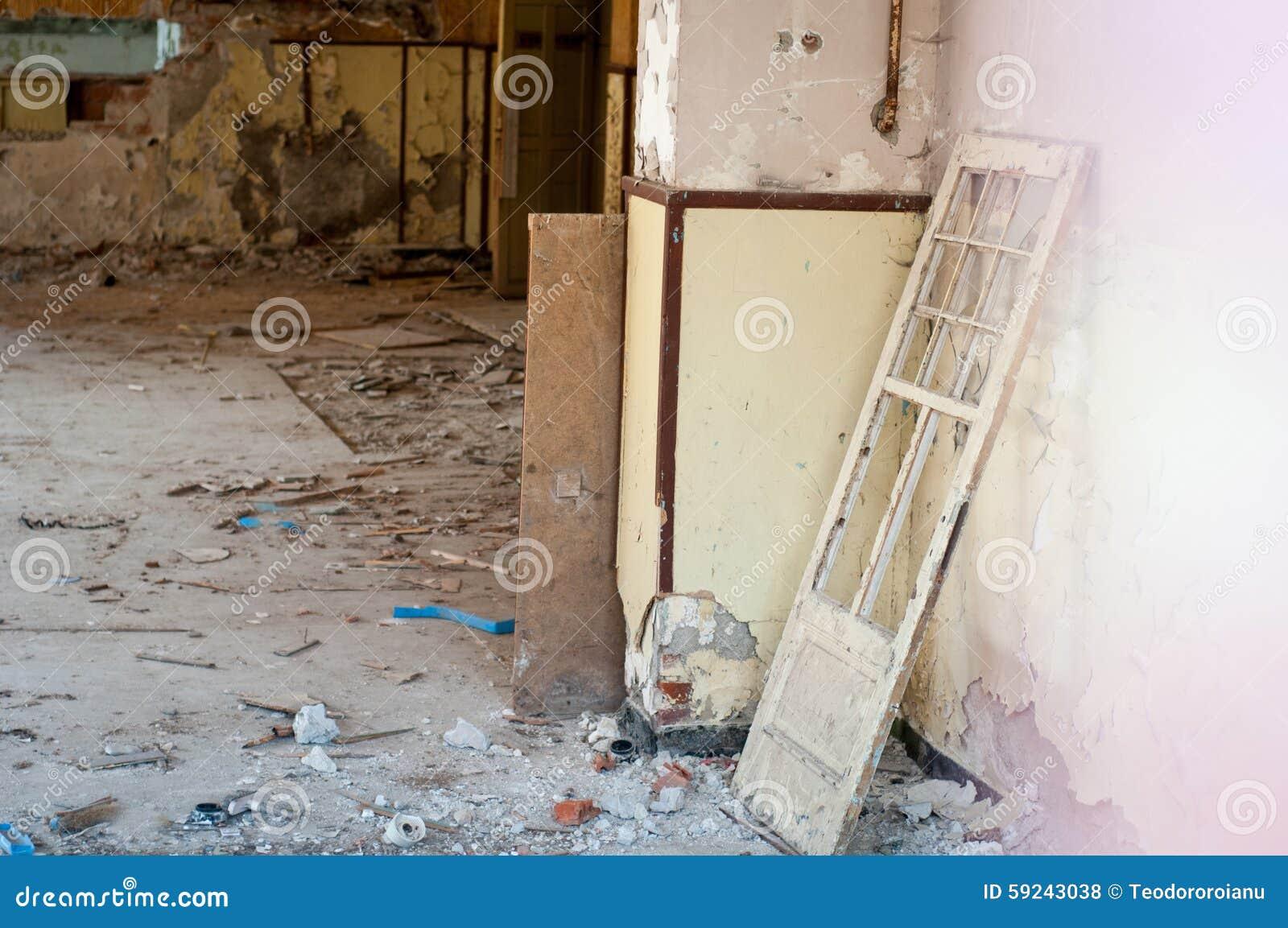 Download Interior Constructivo Abandonado Foto de archivo - Imagen de materiales, pasillo: 59243038