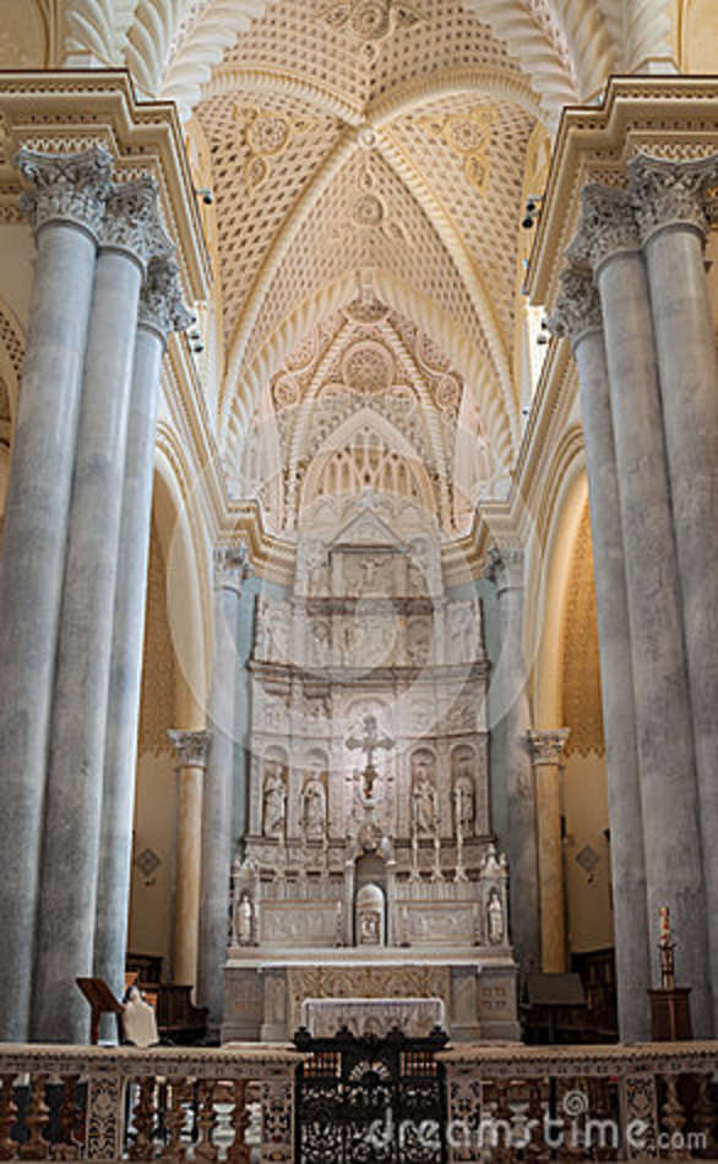 Interior da catedral de Erice, província de Trapani Sicília, Italy