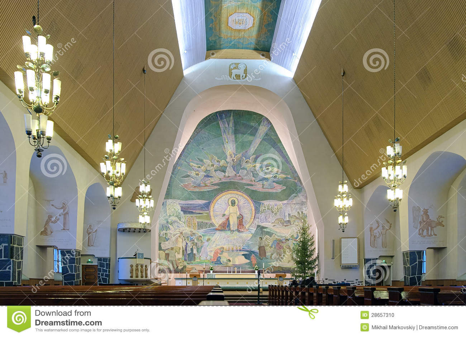Interior da igreja de Rovaniemi, Finlandia