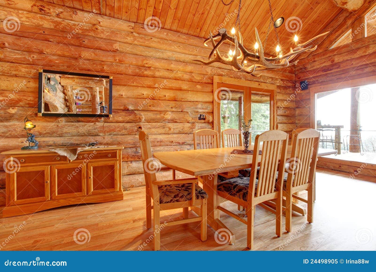 Sala De Jantar Rustica ~ Interior Da Sala De Jantar Da Cabana Rústica De Madeira Foto de