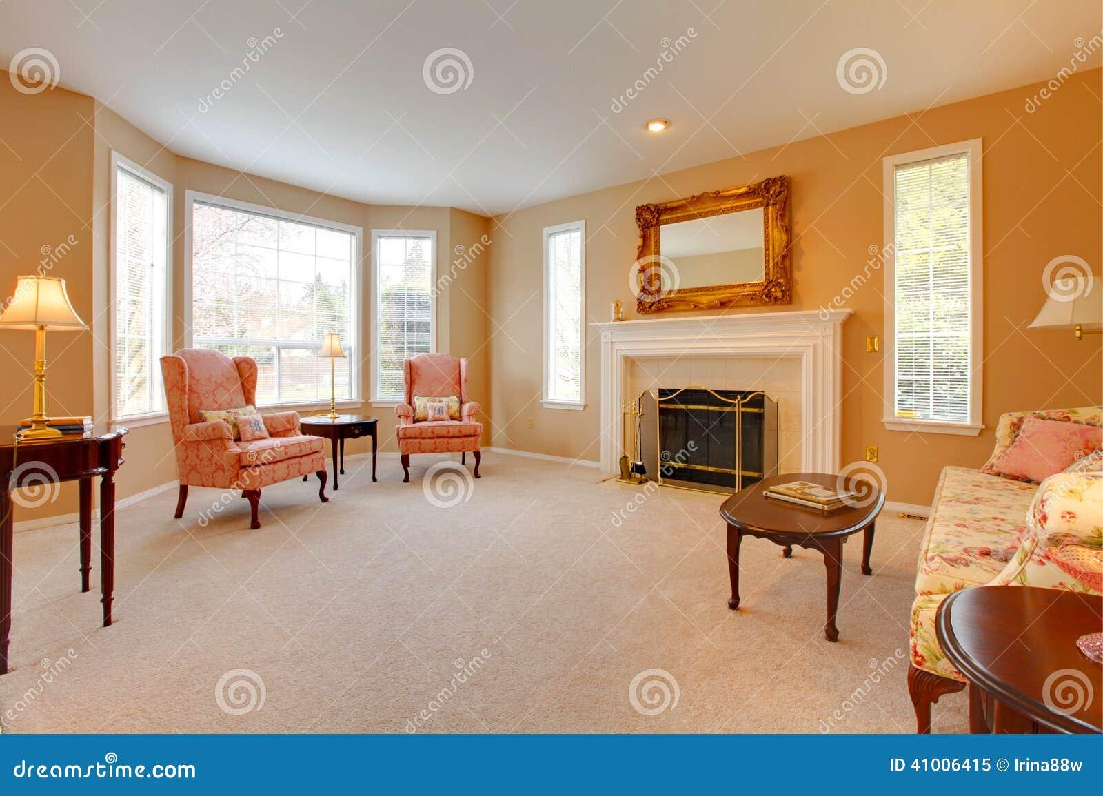 Interior de la casa sala de estar antigua del estilo for Sala de estar antigua