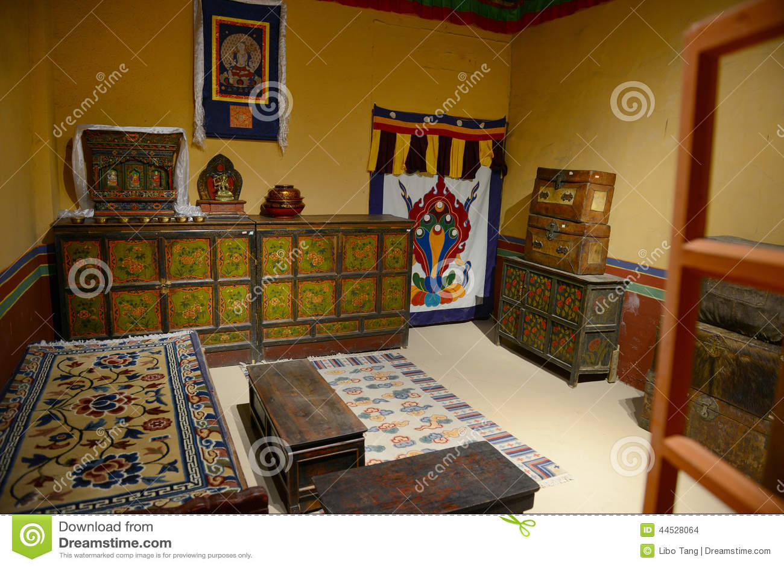 Interior De La Casa Tibetana Foto De Archivo Imagen