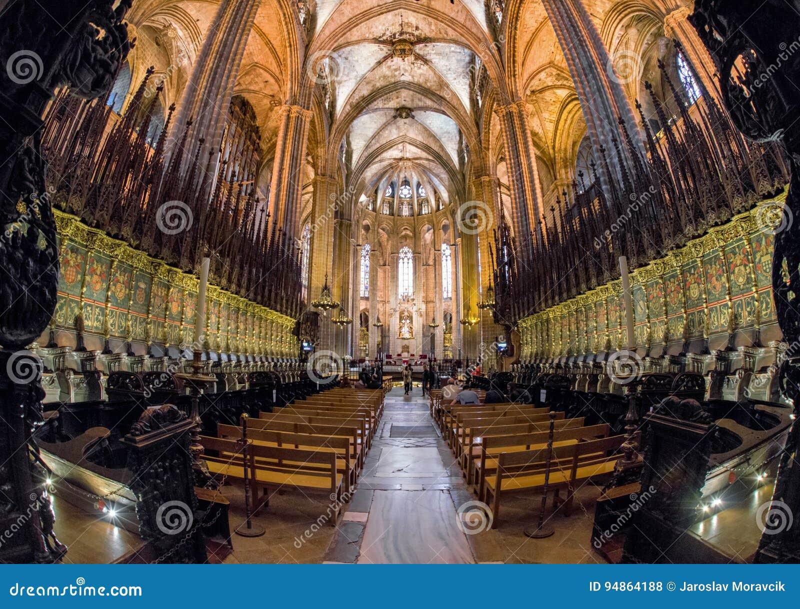 Interior De La Catedral De Barcelona España Foto De Archivo Imagen De Grande Techo 94864188