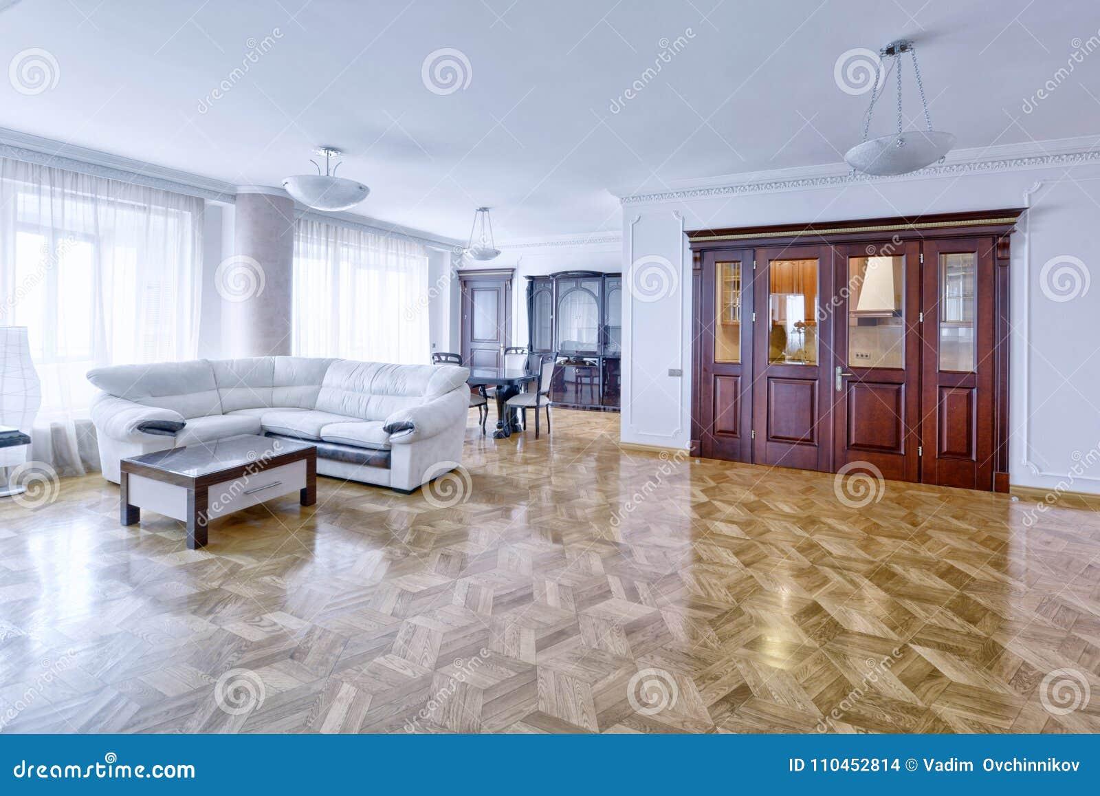 Interior de la sala de estar en casa moderna