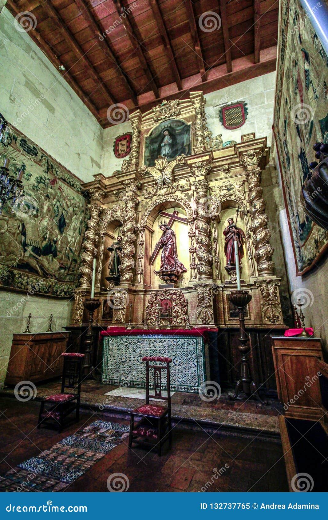 Interior de la sinagoga en Córdoba, Andalucía, España