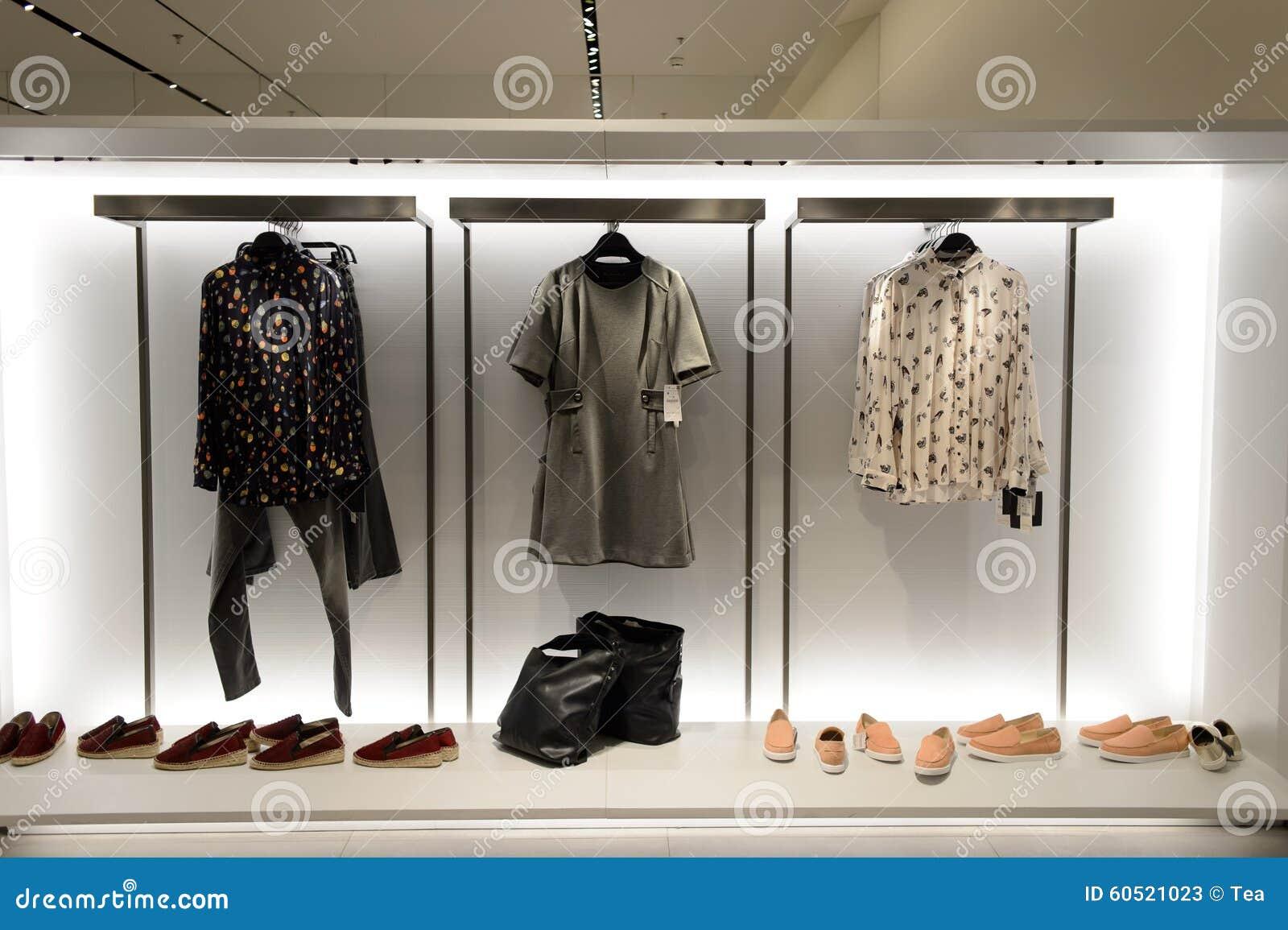 Interior De La Tienda De Zara Foto De Archivo Editorial Imagen De Color Boutique 60521023