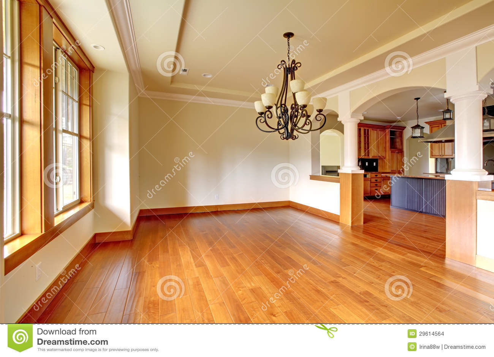 Interior De Lujo Grande Del Comedor Con La Cocina Y El