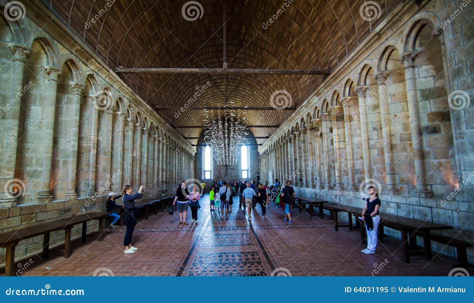 Interior de Mont Saint Michel Abbey