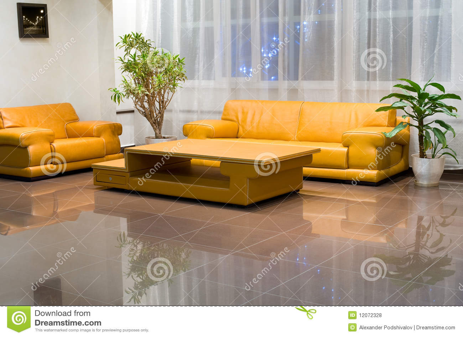 Interiores amarillos - Muebles de pasillo ...
