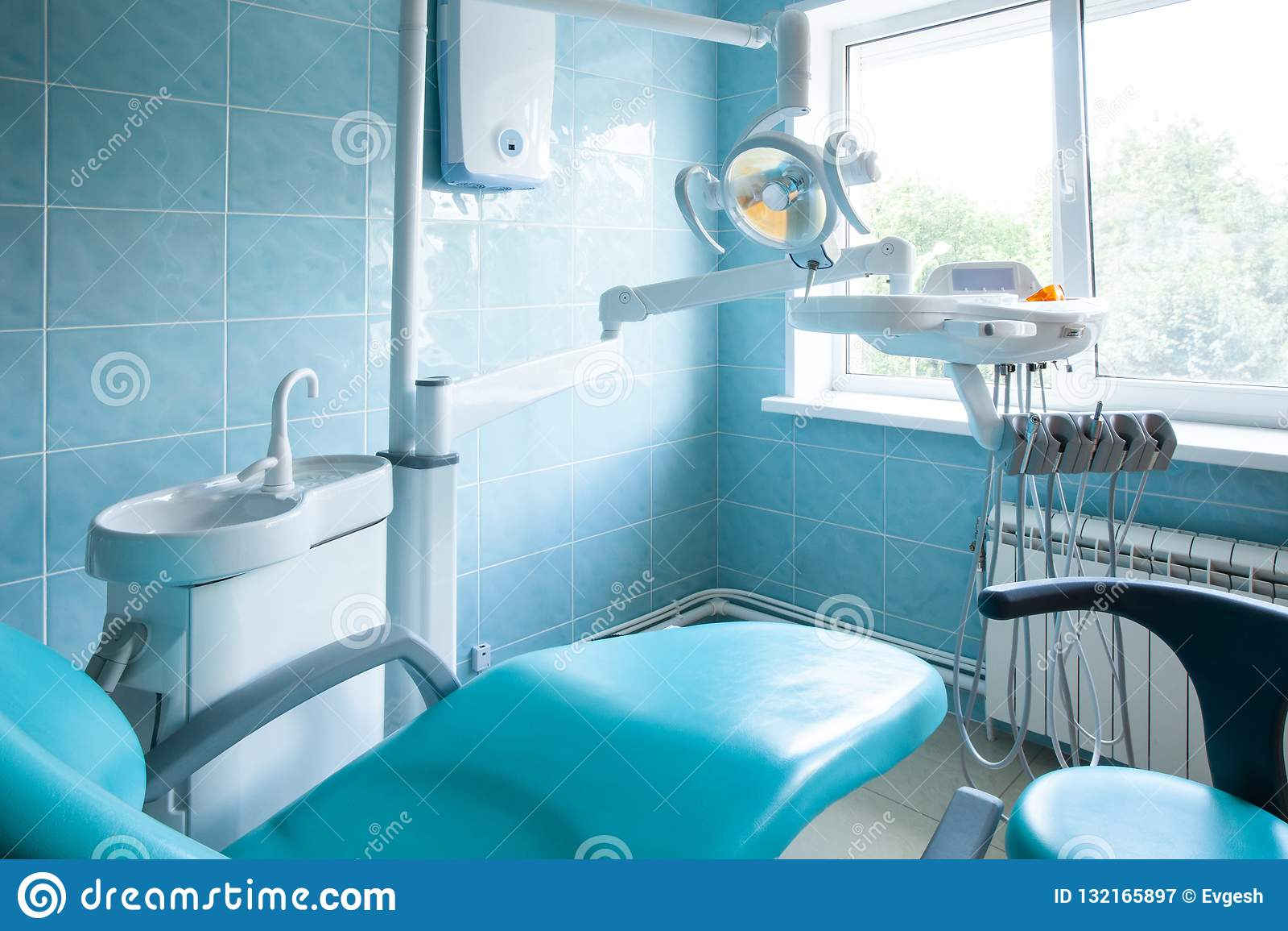 Interior de um escritório dental moderno