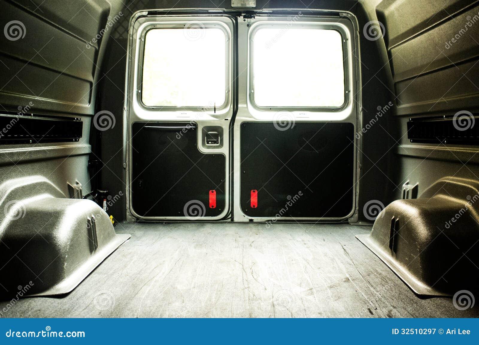 Interior de uma carga vazia Van