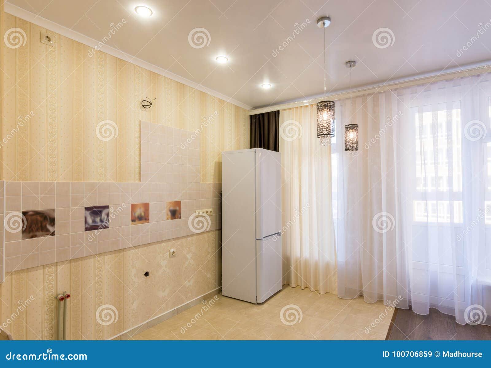 Interior De Una Cocina Vacía Sin Muebles Imagen de archivo - Imagen ...