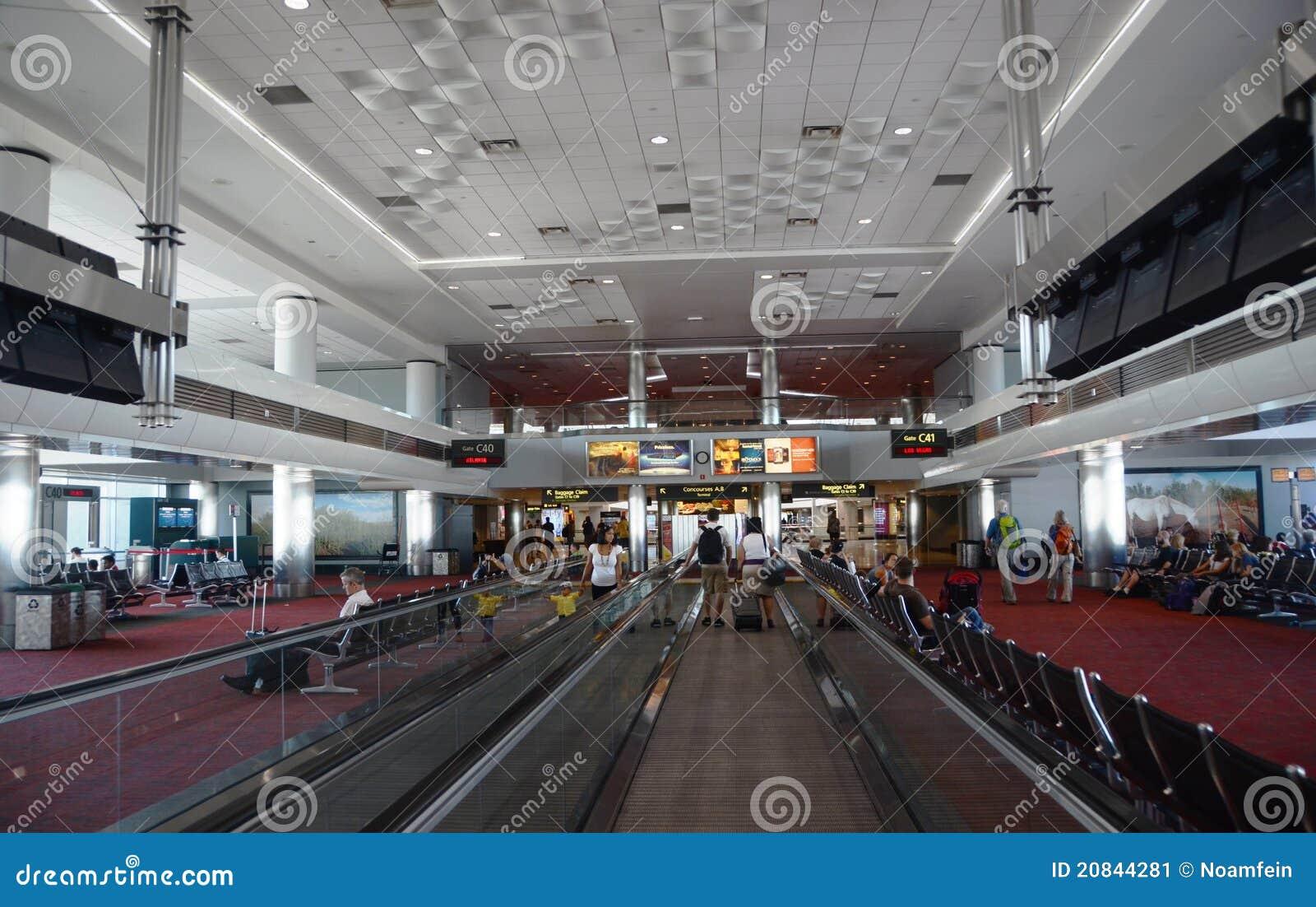 Interior del aeropuerto internacional de denver foto editorial imagen 20844281 - Foto foto interior ...