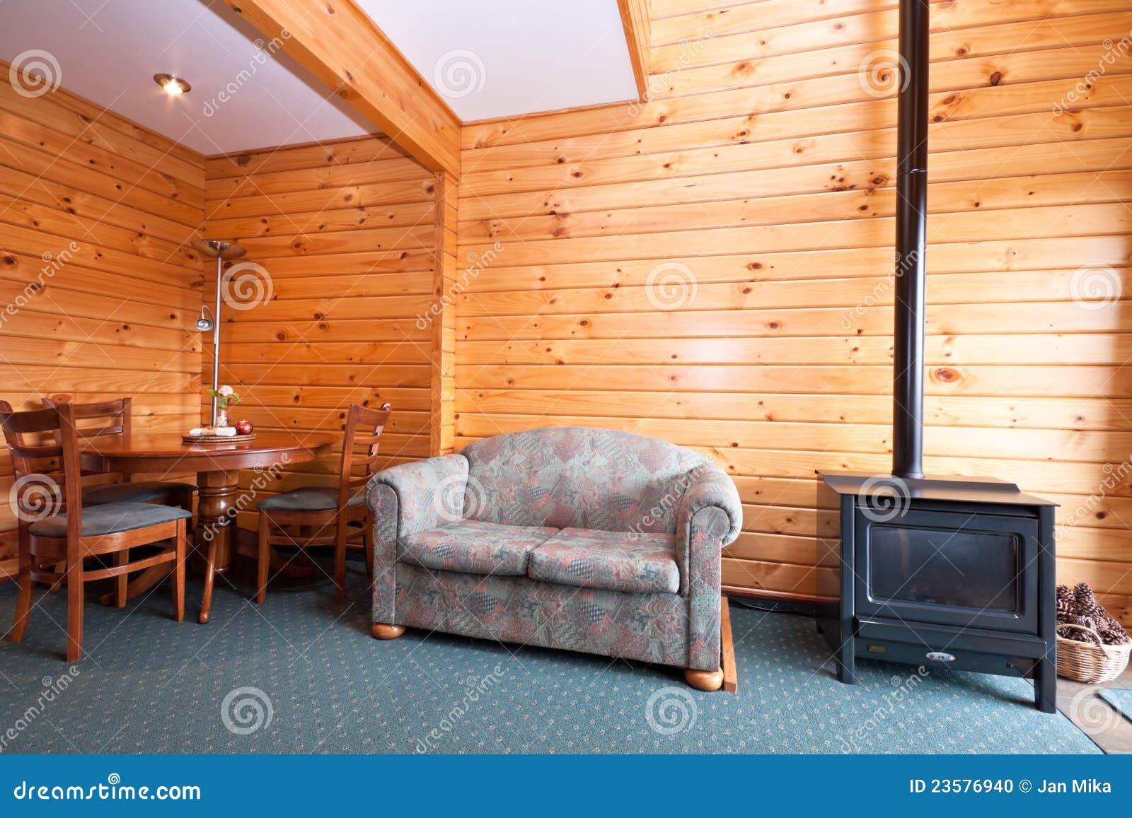 Interior del apartamento de la casa de campo con la - La casa de la chimenea ...