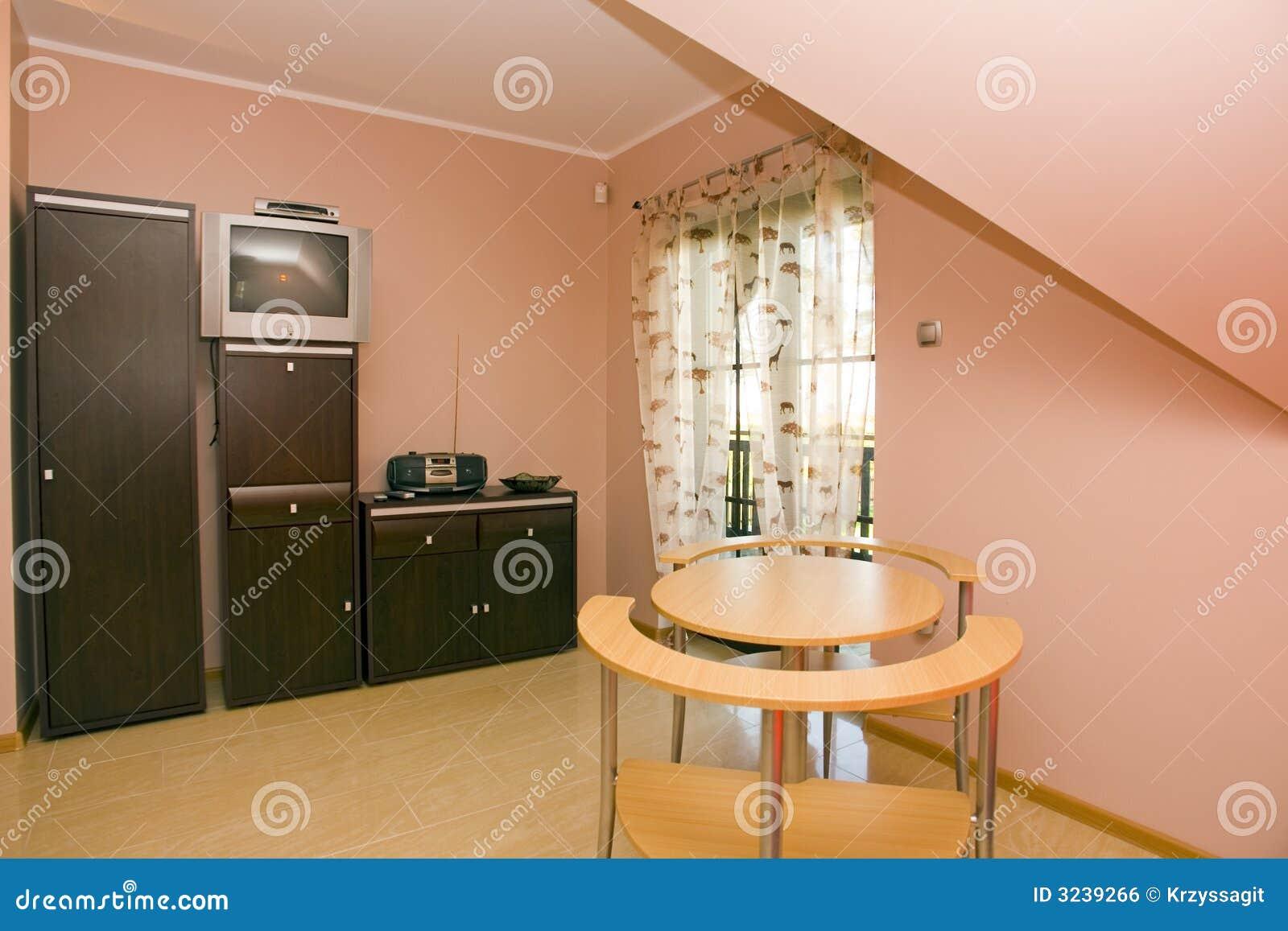 Interior del color de rosa de la casa de madera imagen de - Interior casas de madera ...