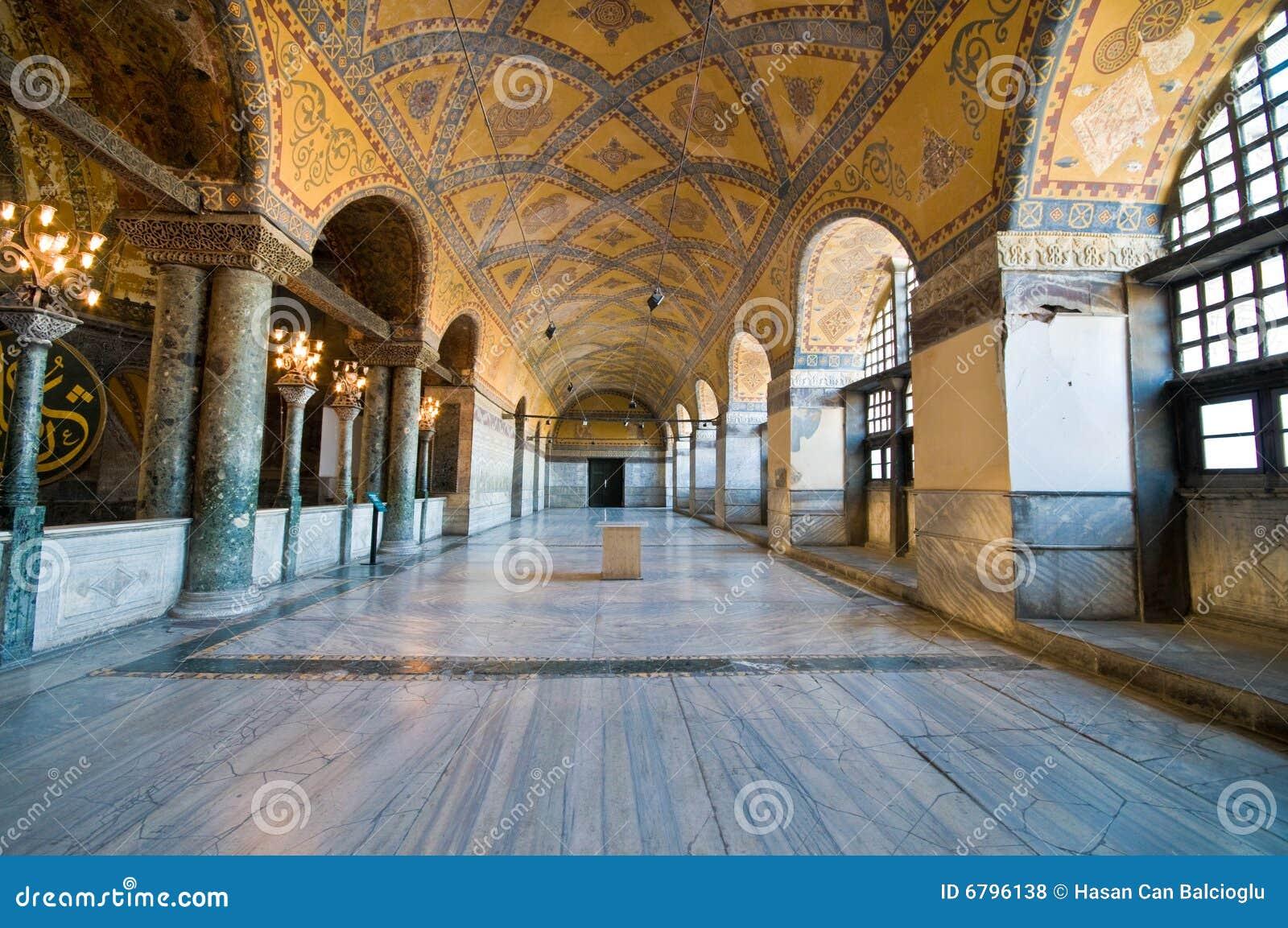 Interior del museo de Hagia Sophia en Estambul.