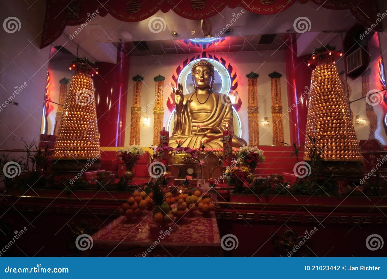 Interior del templo de NYC Budhist