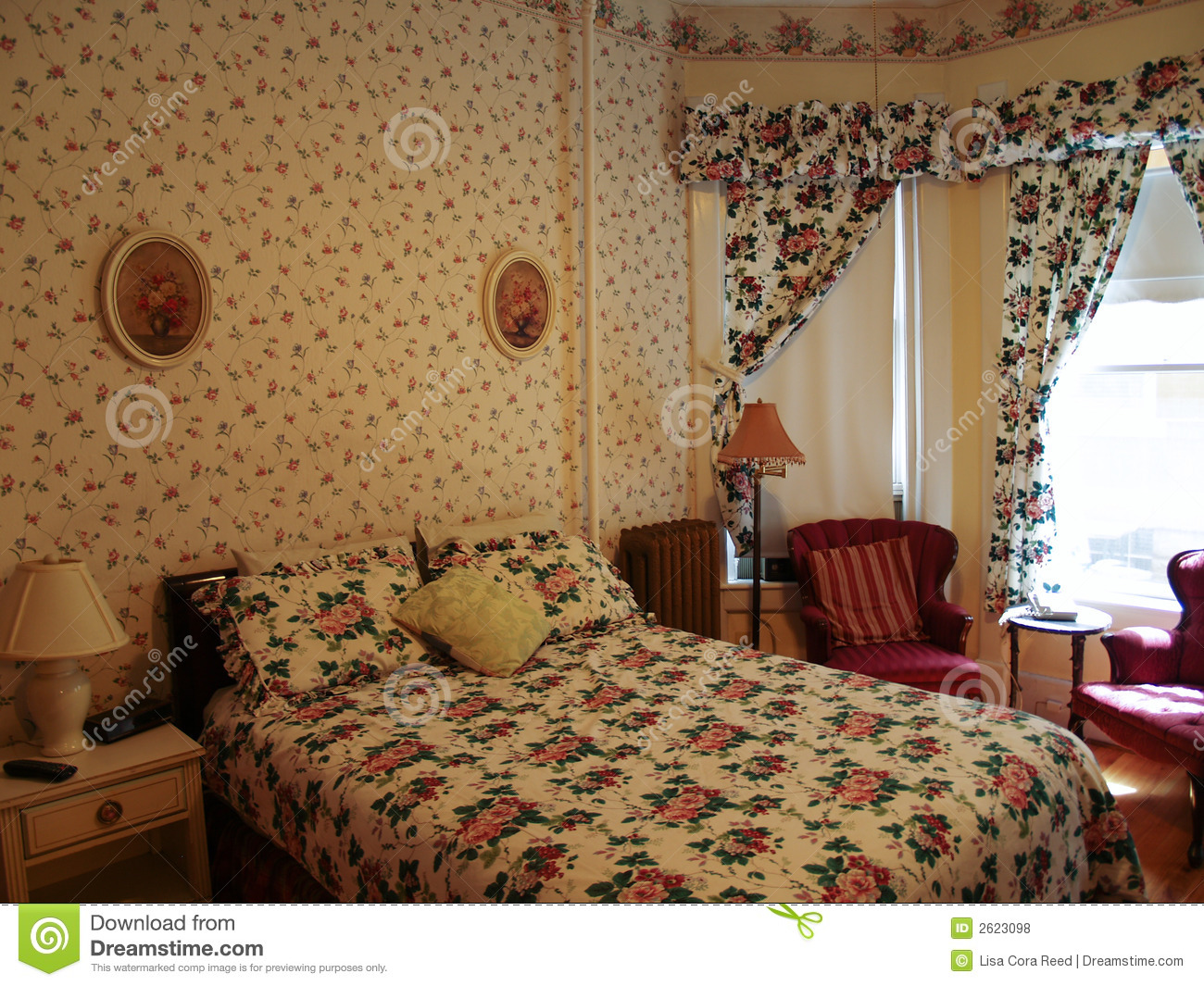 rustic or old fashioned bedroom design
