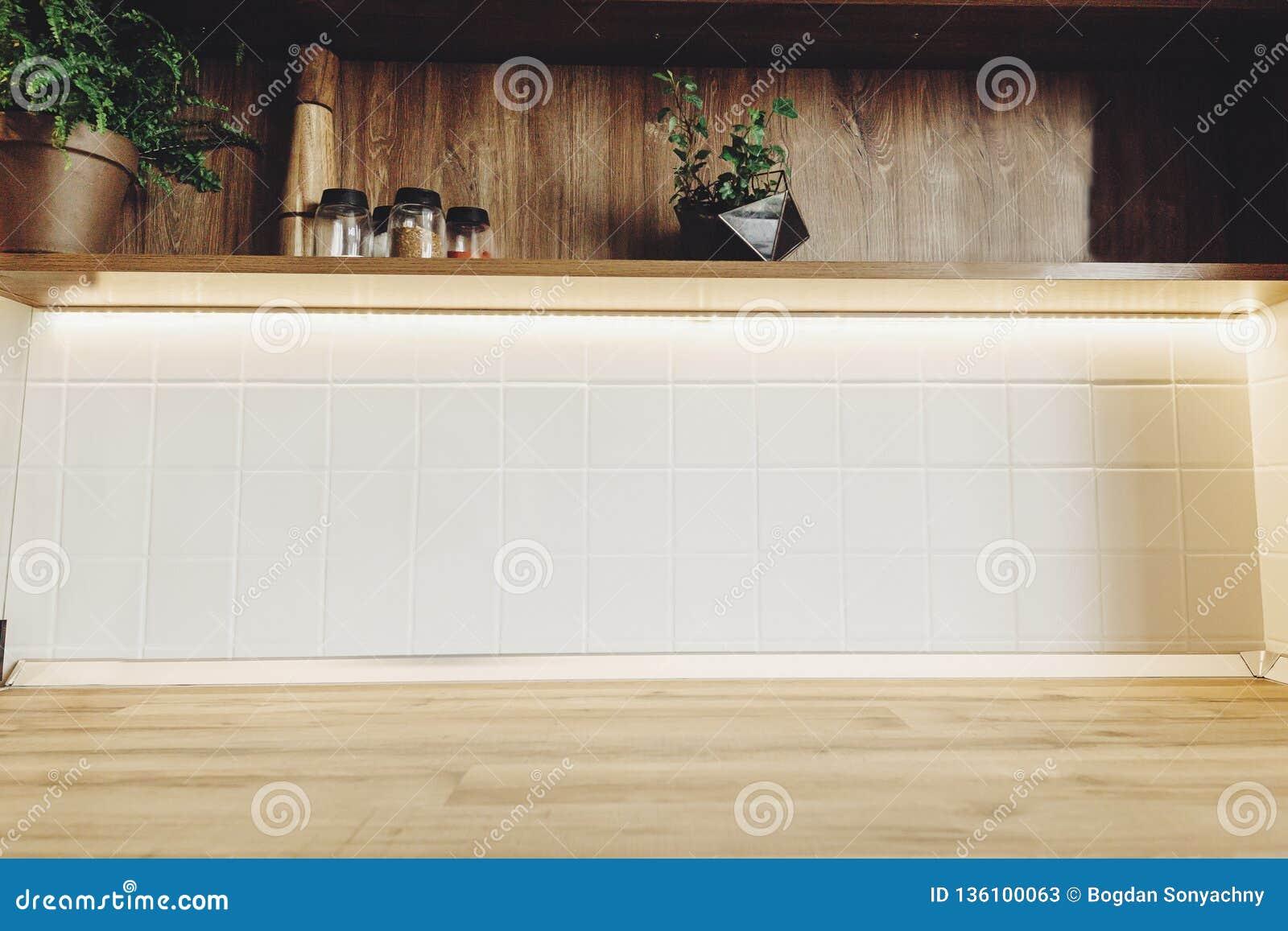 Interior Design Alla Moda Della Cucina Mobilia Moderna Di ...