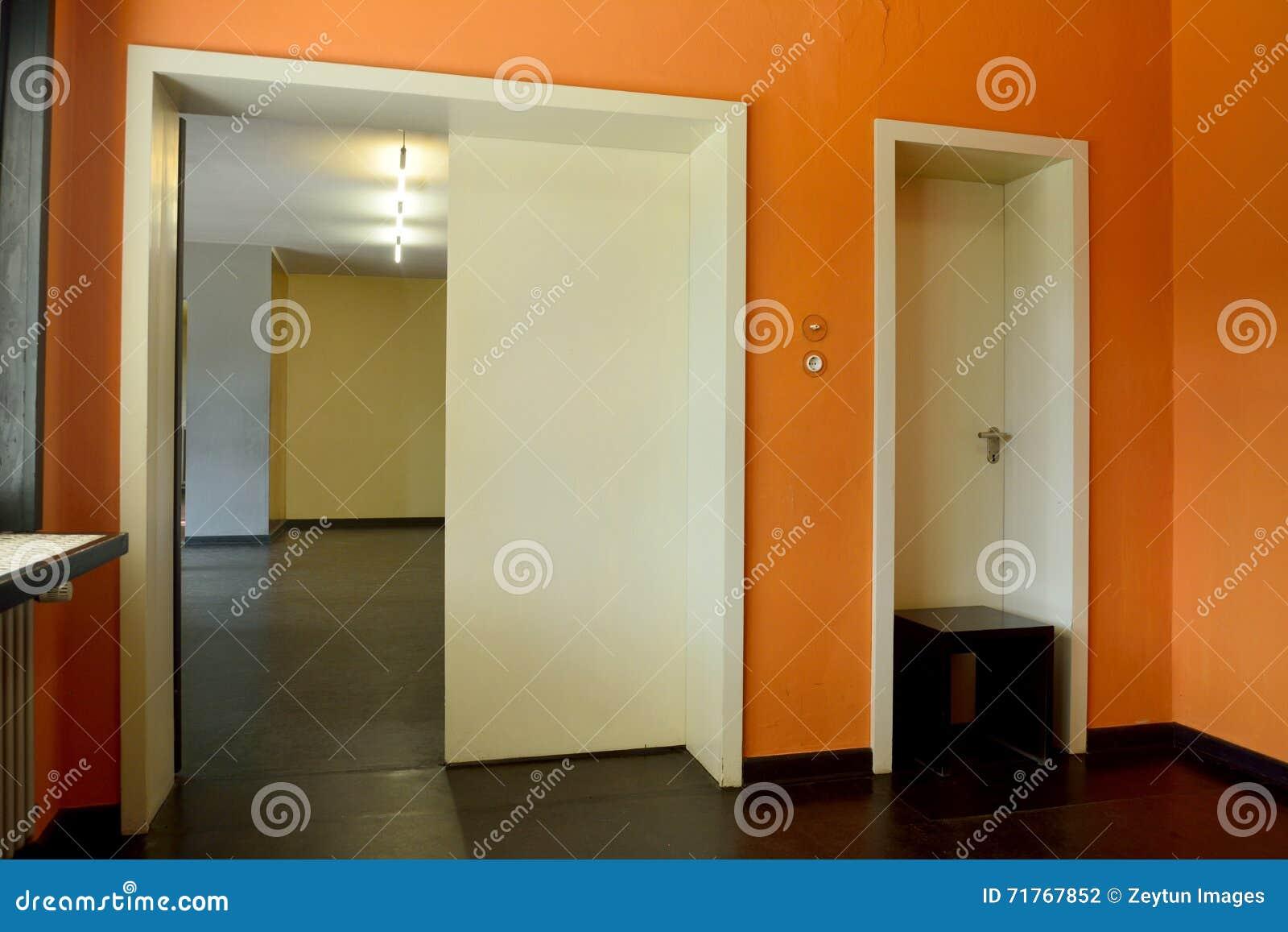 Porte Bianche Colore Pareti interior design della camera kandinsky/klee in dessau