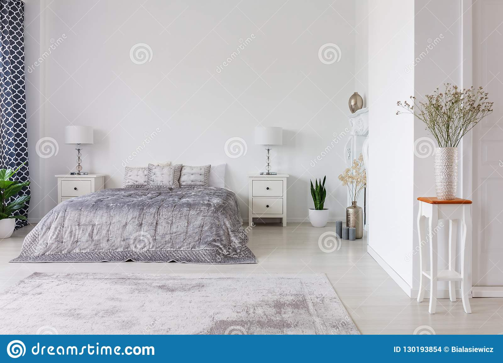 buy online d4c28 f7154 Interior Design Di Lusso Della Camera Da Letto Con Il ...