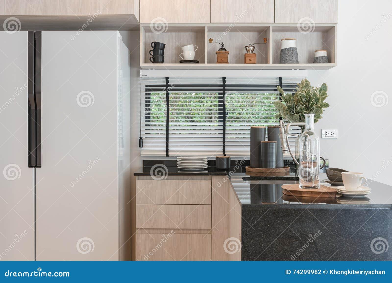 Cucine Di Lusso Design : Interior design di nuova cucina di legno decorata nella casa di